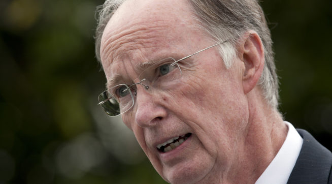 Alabama Demands Voter Id Then Closes Driver S License