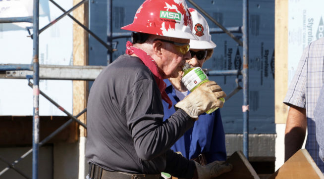 Former U.S. President Jimmy Carter  helps build homes for Habitat for Humanity in Winnipeg on Thursday, July 13, 2017. THE CANADIAN PRESS/HO, Stacia Franz, Manitoba Government *MANDATORY CREDIT*