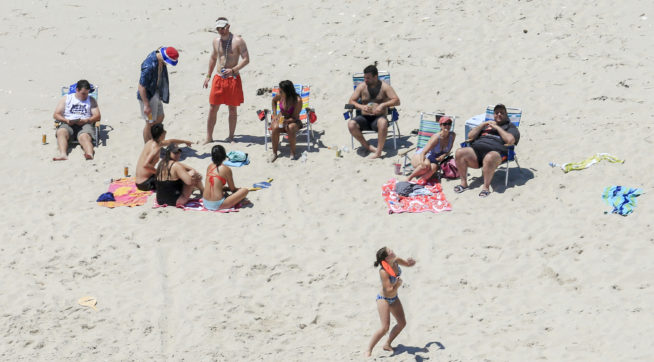 Infamous Christie Beach Trip Photo Pops Up In Jersey City Democratic Mayor's Ad