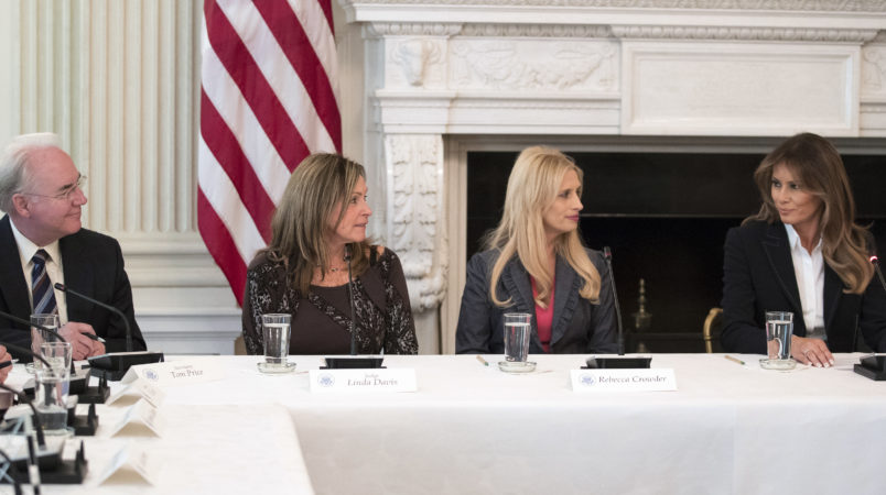 """From left, Secretary of Health and Human Services Tom Price, Macomb County District Judge Linda Davis, Rebecca Crowder of """"Lily's Place,""""  and first lady Melania Trump attends an Opioid roundtable discussion at the White House in Washington, Thursday, Sept. 28, 2017. Melania Trump has invited experts and people affected by addiction to opioids to the White House for a listening session and discussion about the epidemic. (AP Photo/Carolyn Kaster)"""