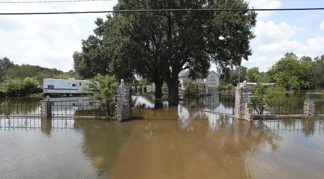 Trump pledges $1 million for hurricane relief