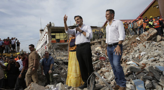 Mexico rescinds Texas aid offer after huge quake