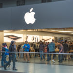 TORONTO, ONTARIO, CANADA - 2015/10/13: Apple store:People visiting the Apple Store.The Apple Store is a chain of retail stores owned and operated by Apple Inc., dealing with computers and consumer electronics. (Photo by Roberto Machado Noa/LightRocket via Getty Images)