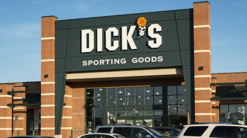 MOUNT LAURAL, NEW JERSEY, UNITED STATES - 2013/05/03: Dick's Sporting Goods store. (Photo by John Greim/LightRocket via Getty Images)